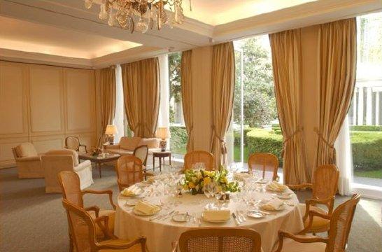 Table D'un Hôtel Bristol